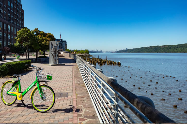 bike on yonkers waterfront