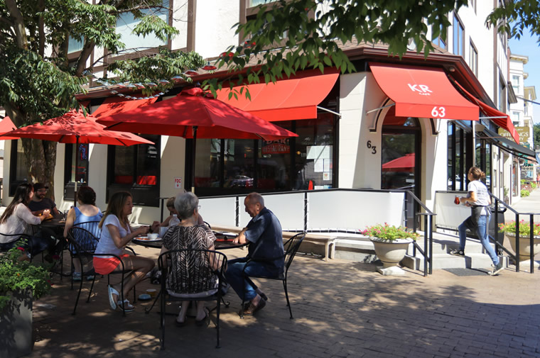 outdoor dining at katonah restaurant