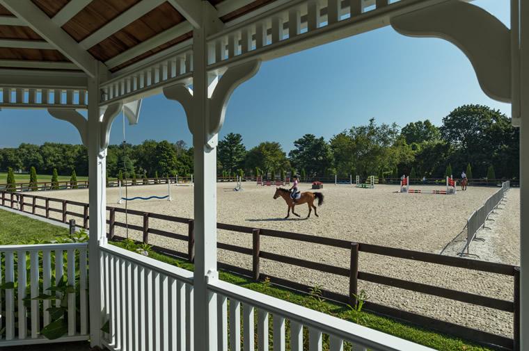 equestrians in darien