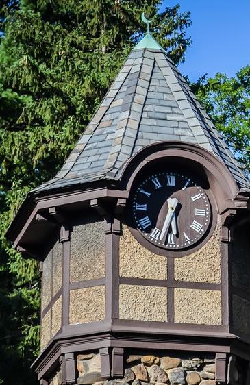 pelham clock